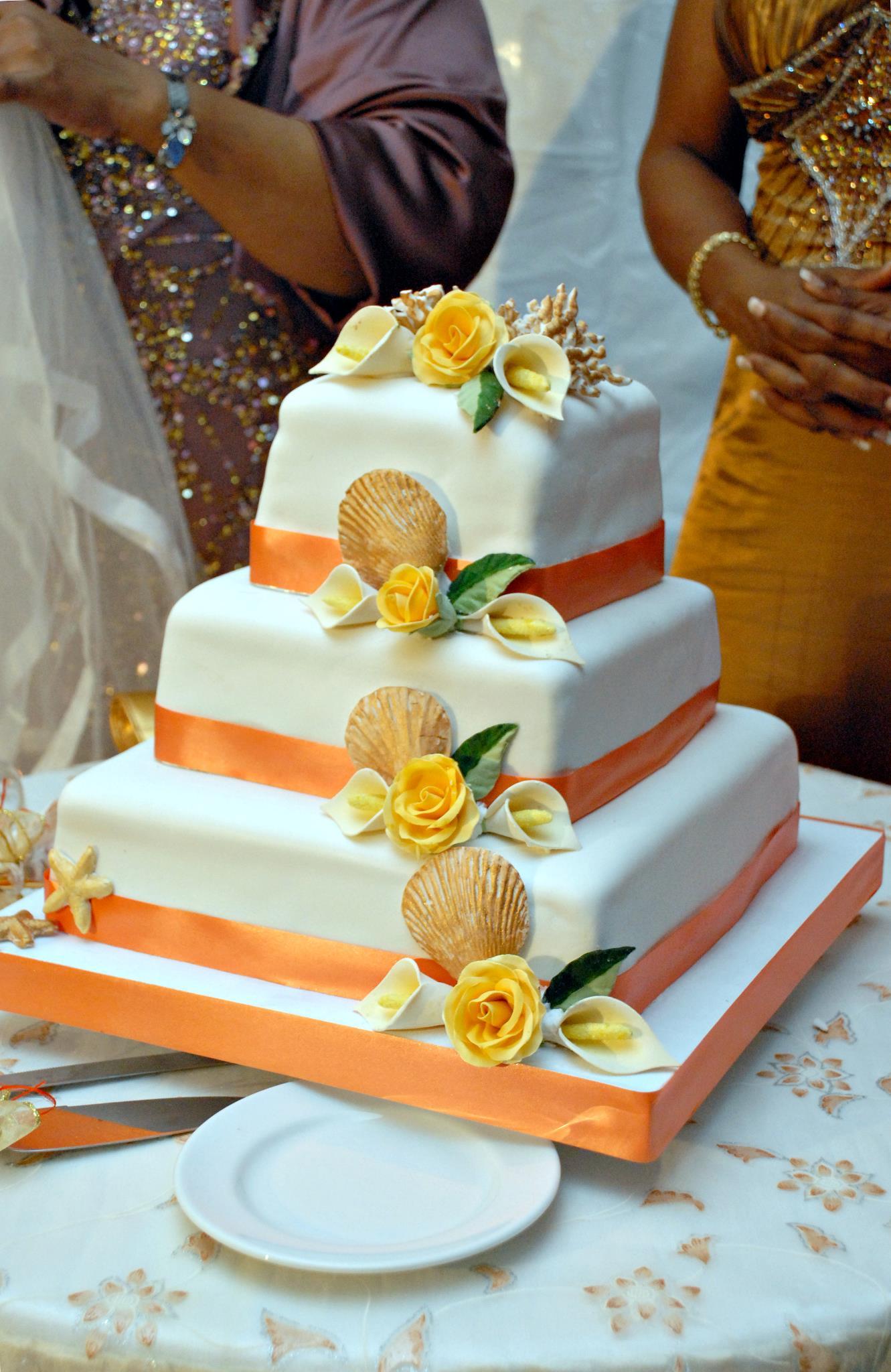 Types Of Wedding Cake Flavors Preferred