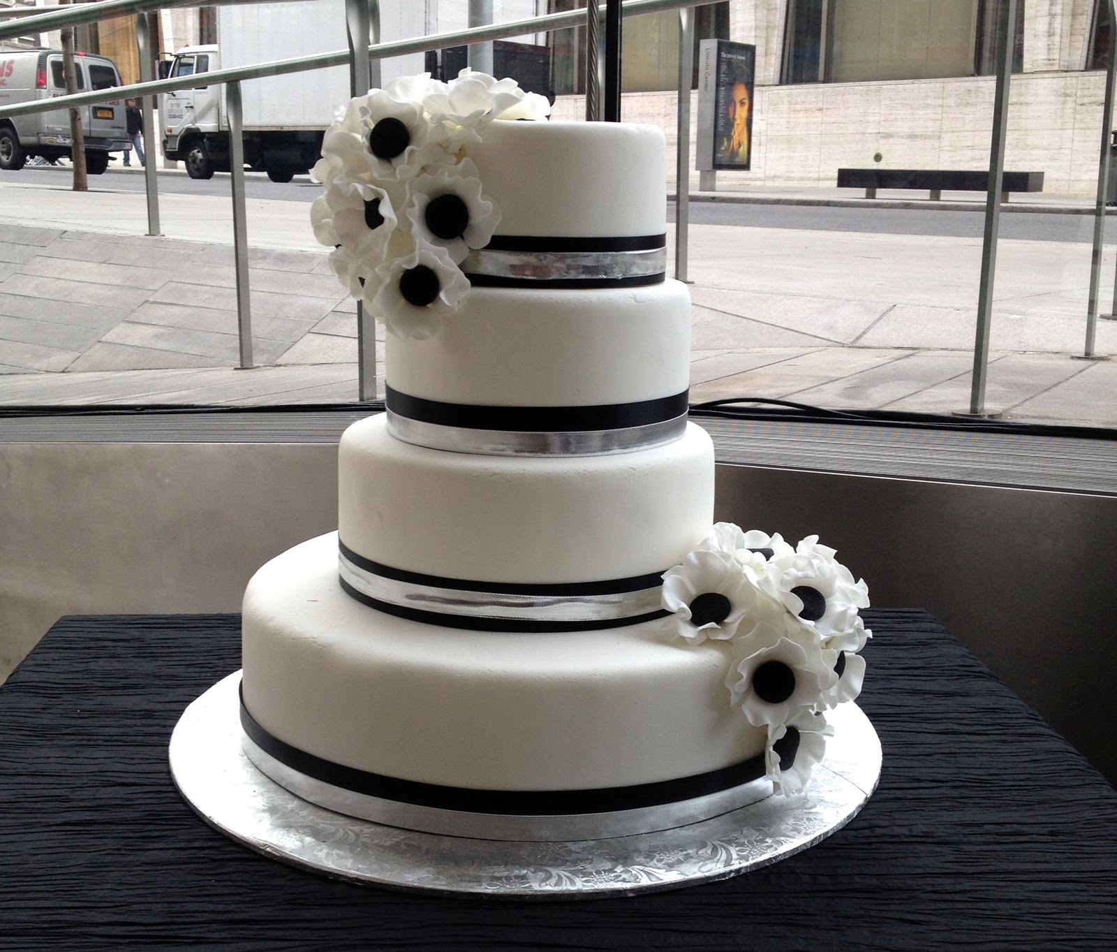 white wedding cake black and white wedding cakes that makes your water 1360